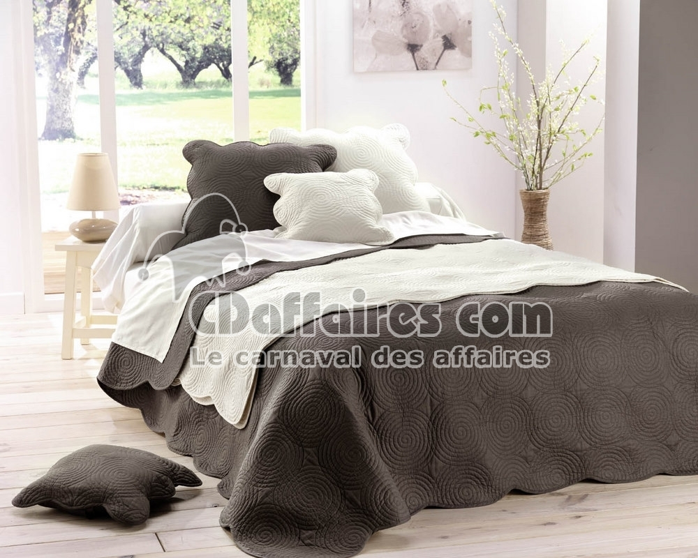 couvre lit boutis 100 coton 220x240 cm chocolat. Black Bedroom Furniture Sets. Home Design Ideas