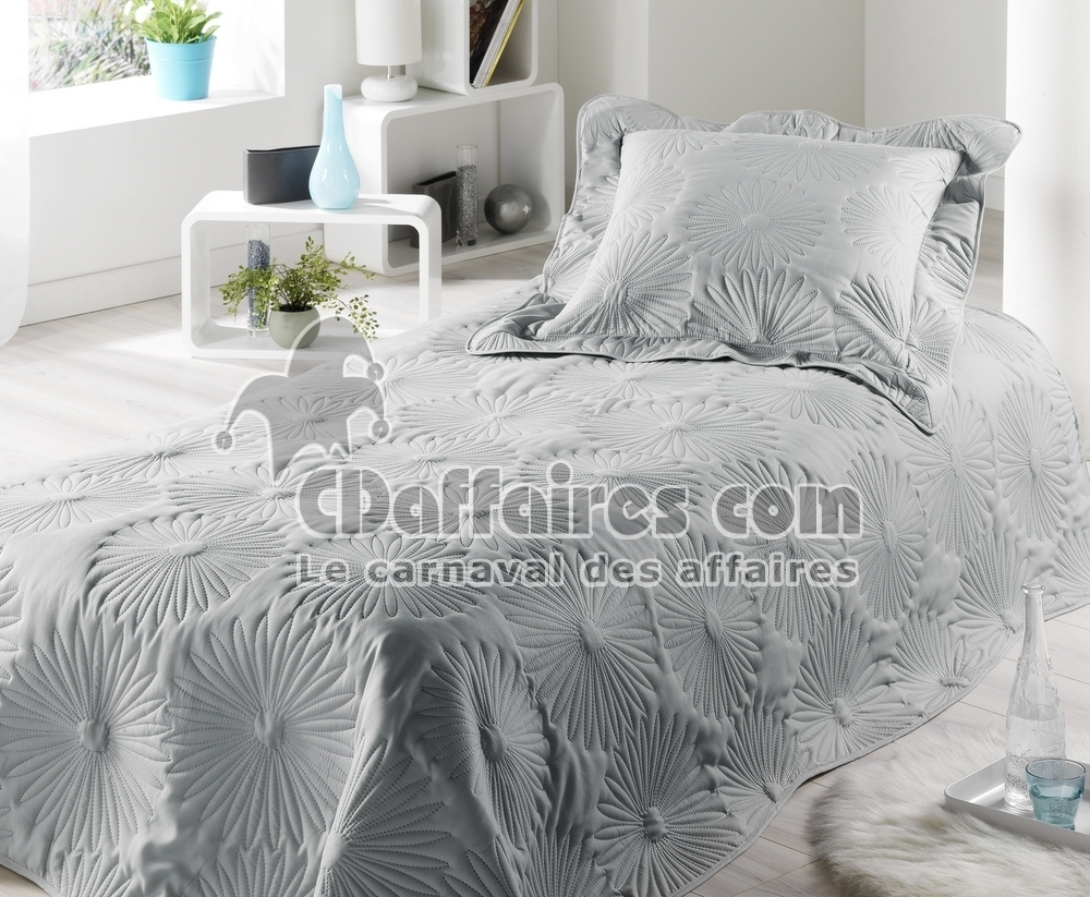 maison du monde boutis best best tapis en coton gris x cm tavira uac maisons du monde with. Black Bedroom Furniture Sets. Home Design Ideas
