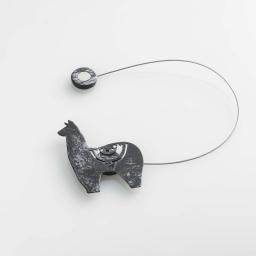 Embrasse aimantee l 30 x 5.5 x 6.8 cm metal patine yzma Noir/Argent