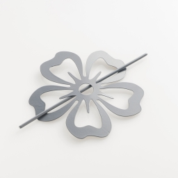 Embrasse broche (0) 15 cm metal peint petaly Gris