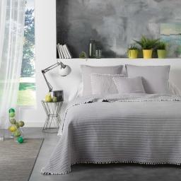 Pack couvre lit matelassé 240x260 (Dorina) microfibre+pompons + 2 housses de coussin 60x60 Coloris gris