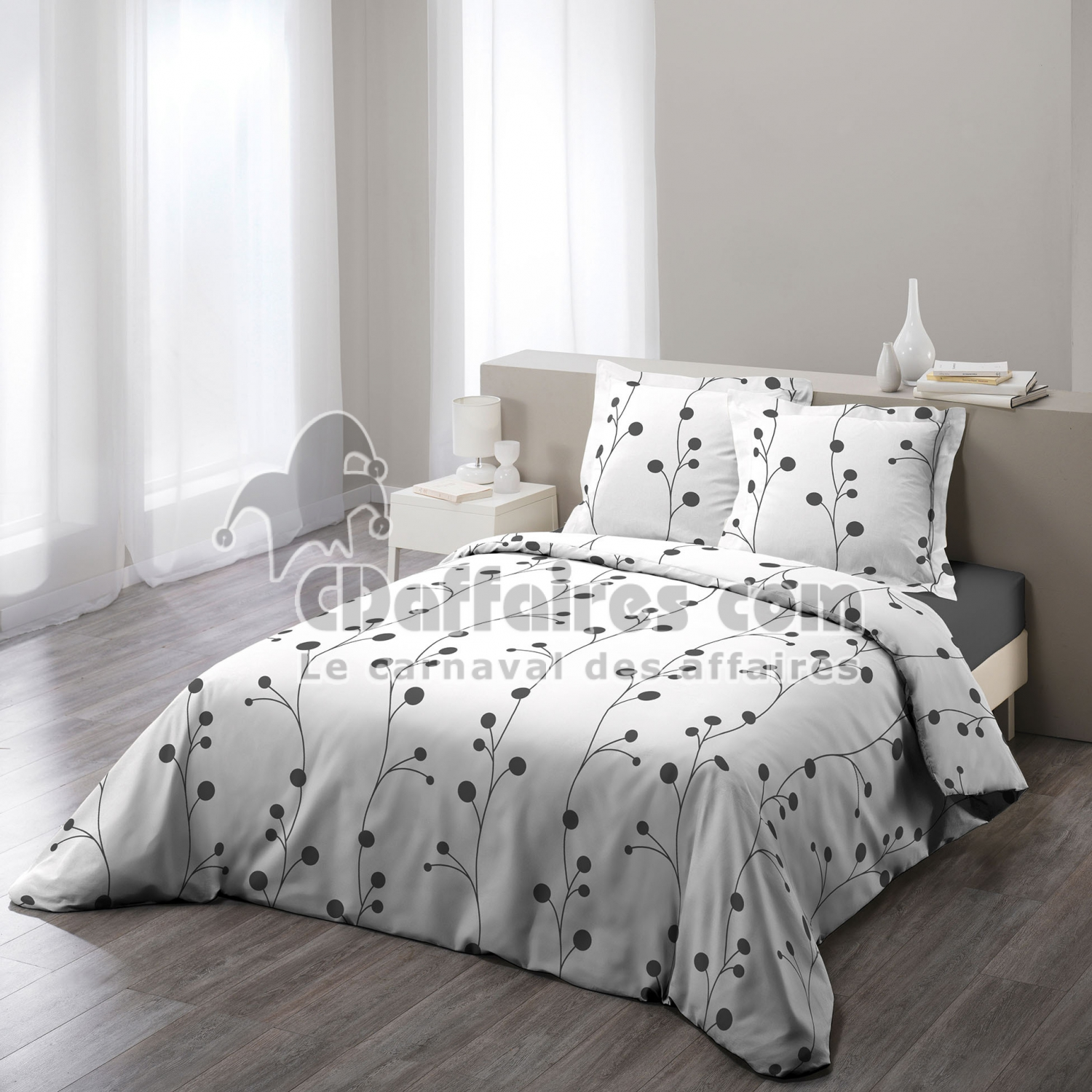 parure 3 p 260 x 240 cm imprime 57 fils allover clochettes blanc cdaffaires. Black Bedroom Furniture Sets. Home Design Ideas