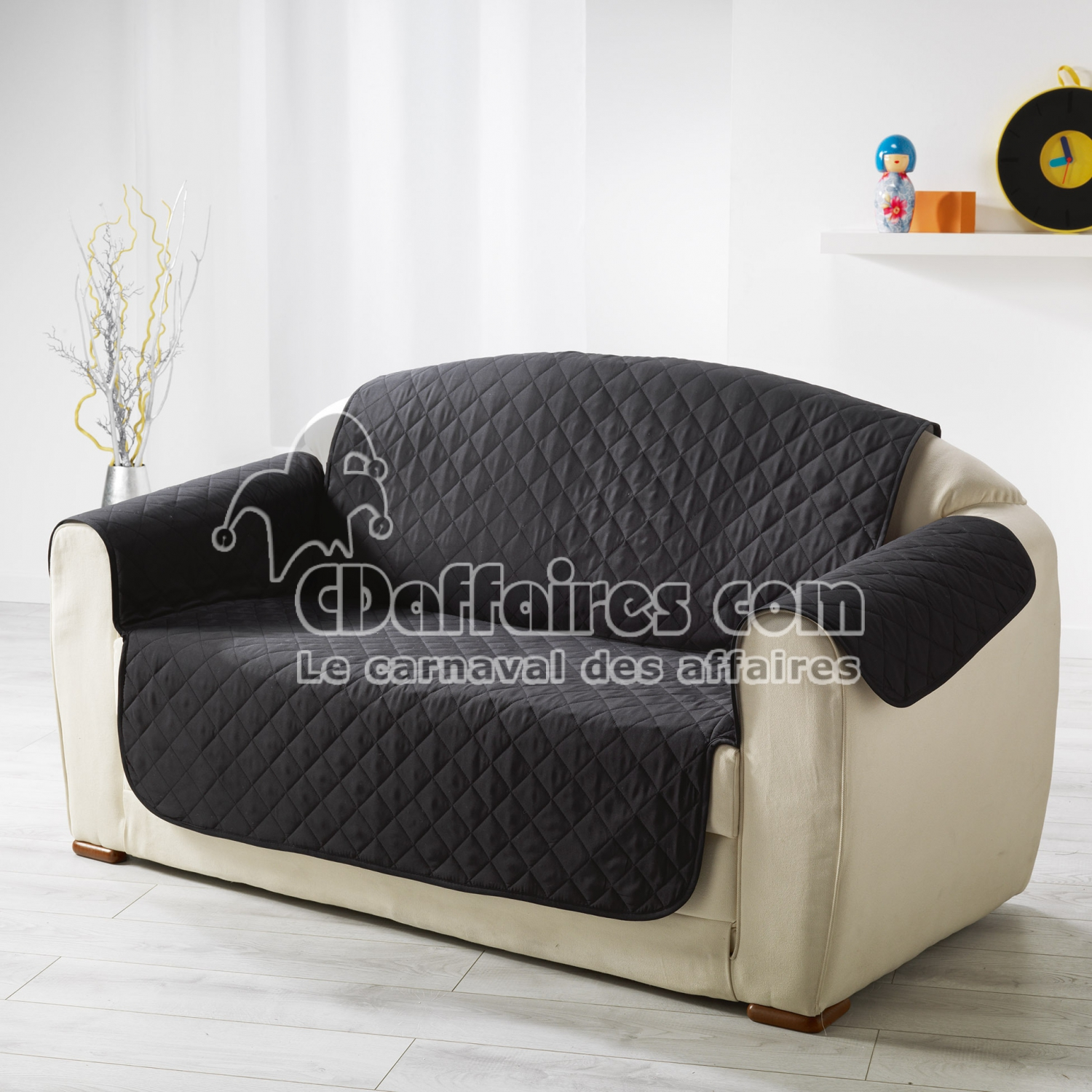 protege canape matelasse 279 x 179 cm microfibre unie club noir cdaffaires. Black Bedroom Furniture Sets. Home Design Ideas