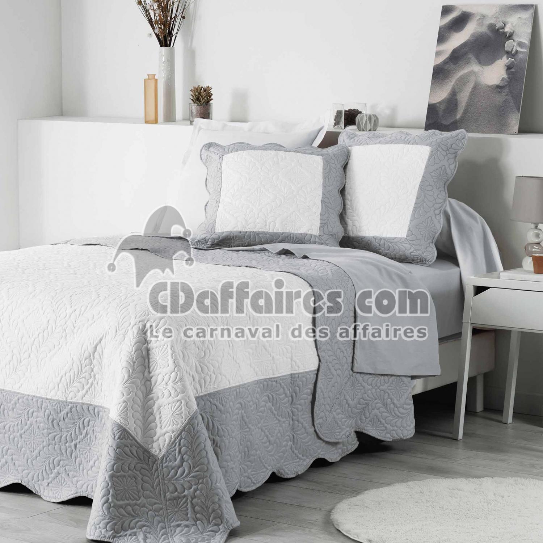 boutis lit double cdaffaires. Black Bedroom Furniture Sets. Home Design Ideas