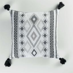 coussin dehoussable compresse pompons 40 x 40 cm coton imprime inca des. place